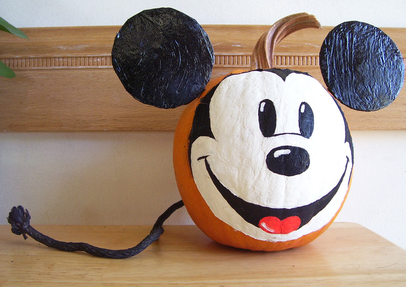 mickey_mouse_pumpkin_by_punkbouncer