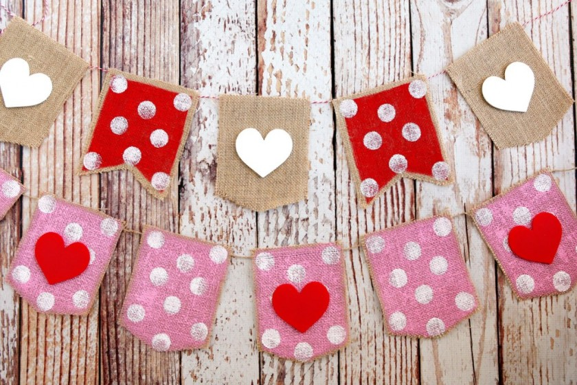 valentines-day-heart-banners-1024x683