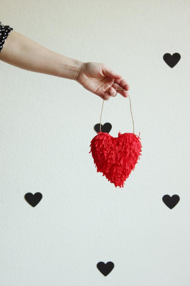 diy-valentine-fringed-heart1