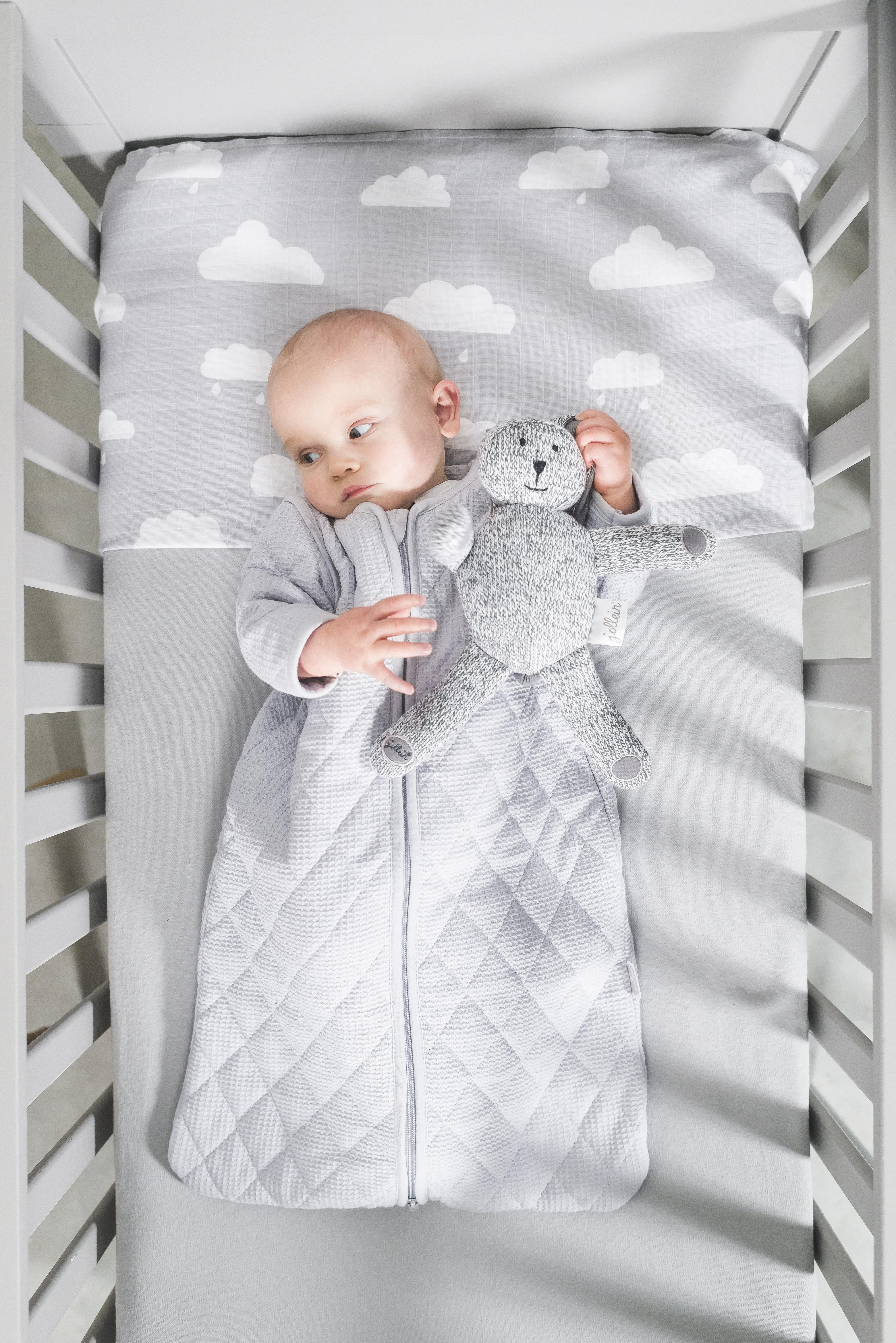 87292dbfeb Warto jednak pomyśleć w co ubrać maluszka w chłodniejszą noc  Jakie ubranko  sprawi